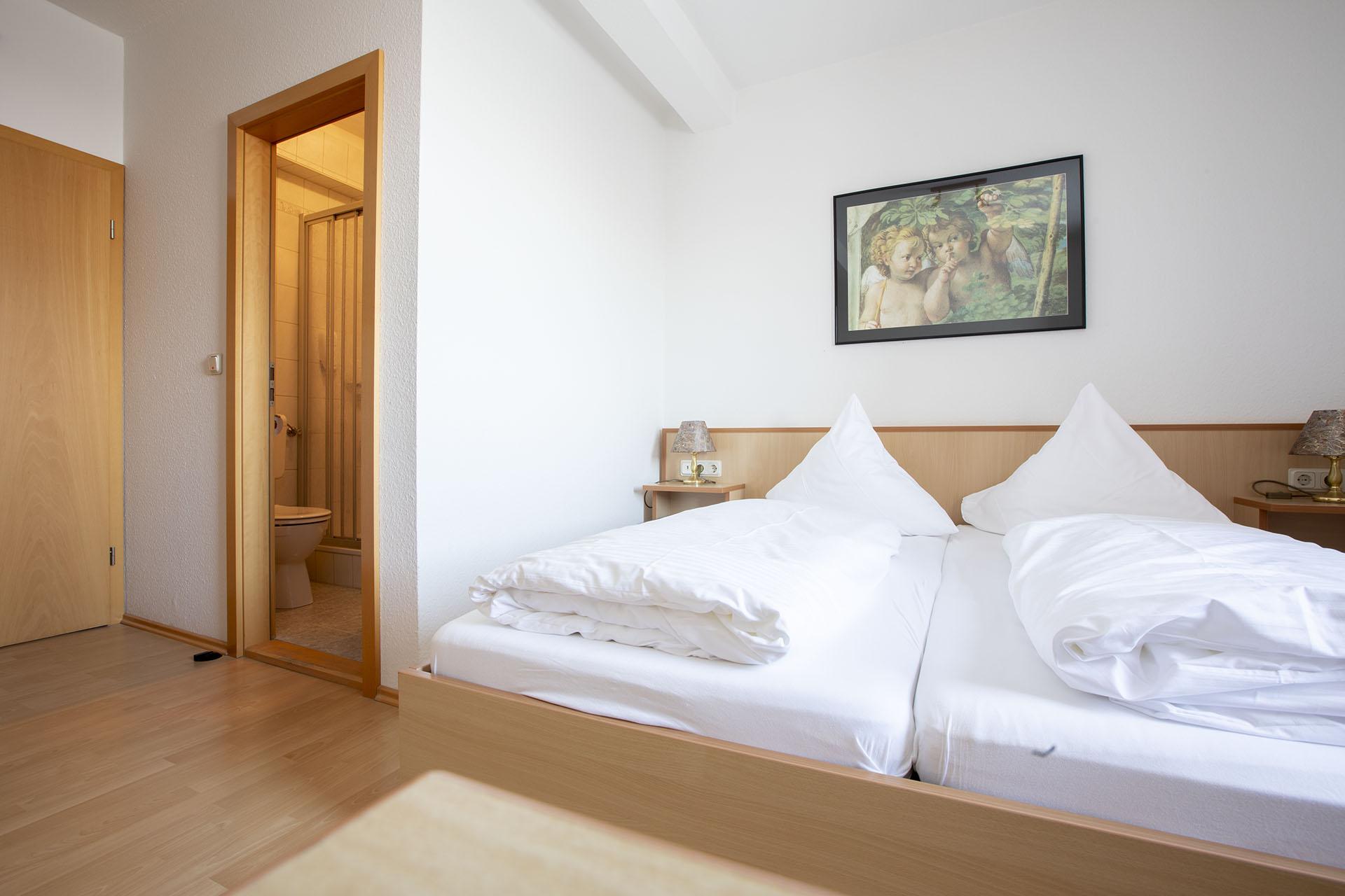 Berggasthof Zimmer mit Dusche und WC